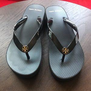 TORY BURCH wedge platform flip flops sandals